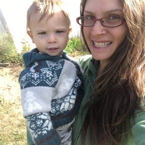 an interview with Isis Loran: garden blogger andhomeschooler